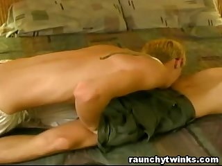 Gay bestfriends fuck in a motel