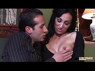 Cheyenne une beurette bombe sexuelle qui aime l anal