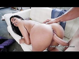 Latina hottie fucks huge dick before trip