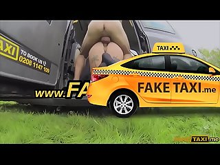 Spanish lady with great sexy body fucked in a taxi