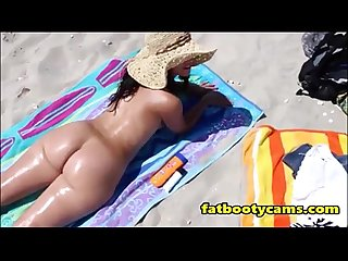 Big butt milf at beach fatbootycams com