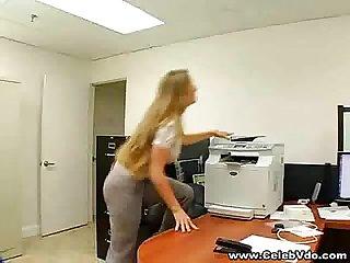 Secretary seducing boss to fuck