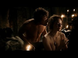 Esm� Bianco and Alfie Allen sex scene in Games of Thrones S01E05 (HD quality)
