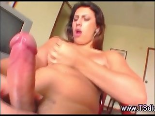 Tranny shemale jerk off cumshot