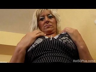 Busty blonde mature fridus erika banged by black cock