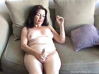 Busty old spunker home alone has a nice little wank