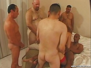 6 guys and a tranny scene2