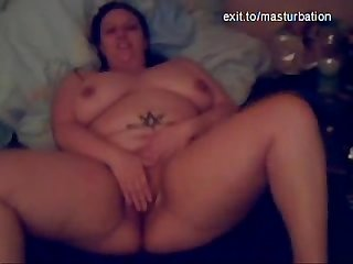 Kinky bbw milf eileen fucking herself