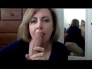 Milf francaise fait pipe et mari travaille