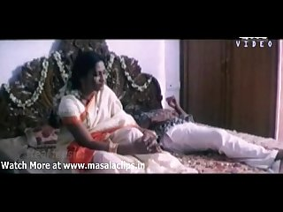 Very hot bedroom scene from aval appadithan movie