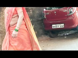 MY FRIENDS CURVY MOM SUJATA EXPOSING JUICY NAVEL AND WAIST SHOW 4