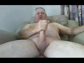 4507424 mature aussie jerks and cums