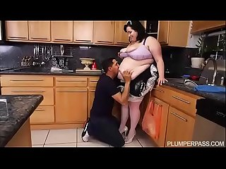 SSBBW Maid Eliza Allure Cleans Juan Largo's Cock