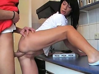 Amateurs Fuck on Kitchen Desk
