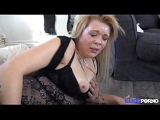 Leslie 24 ans sexhibe a la braderie de lille avant de se faire baiser brutalement full Video