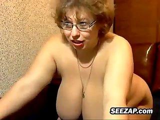Mature russian bbw masturbates