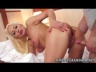 Hot cougar takes Cumshot