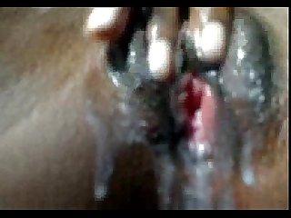 Angolana Puta se masturba at ficar molhada angolan bitch masturbate till become wet