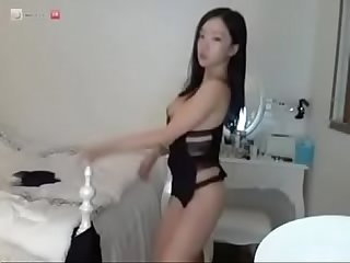 horny mia doing camshow at slutcam.us yesterday