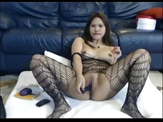 Asian inserting a dildo in the pussy chat with her asiancamgirls mooo com