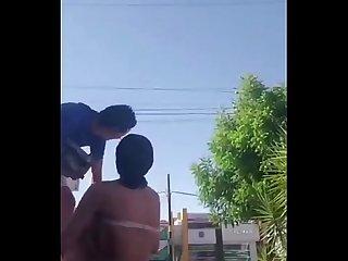 Reto Coger Afuera del Oxxo con Giselle Montes | M�s Videos..
