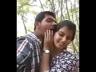 Hot kissing Desi couple