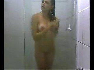 Shytara camfrog gatinha tomando banho enquanto maridao filmava