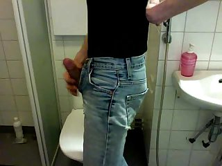 Boy - piss in jeans