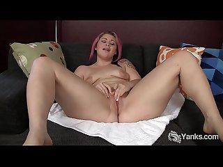 Chubby Yanks Babe Sarah Greenmore Masturbating