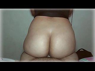 Nalgona recibiendo anal