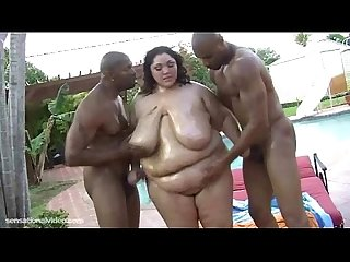 Amazon bbw Anastasia fucks 2 big black cocks