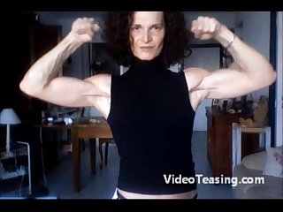Super lucy flexing her sexy biceps