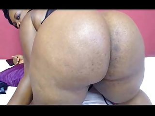 Ebony bbw on cam spreading and winking her big ass booty