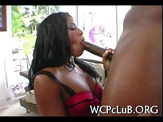 Ebon girl fucks her bf