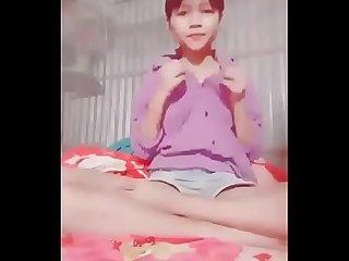 Teen 2k5 VN khoe h�ng m�p