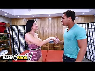 BANGBROS - PAWG Romi Rain Gies Ricky Johnson The Best Massage Of His Life