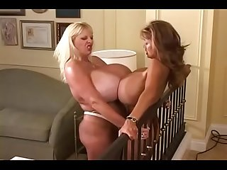 Maxi Mounds vs Minka - Watch More Videos on pornfrontier.com