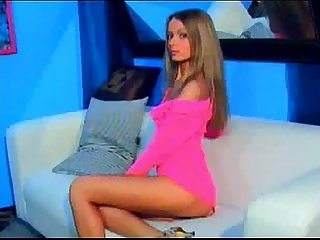 Stunning webcam girl ibizasunrise playing without her panties on