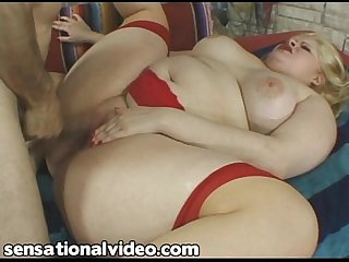 New Fat BBW WIfe With Huge Ass Fucks On Camera For First Time