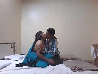 Talking Mangala Bhabhi Suhaagraat Video part 1