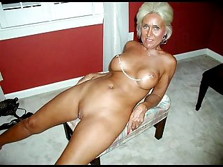 Hot Sexy granny spreading