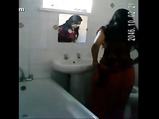 Desi girl bath spy