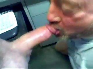 Chupando ate o maduro gozar de Teso Mp4