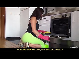 Operacion limpieza hardcore oiled up sex for colombian cleaning lady daniela robles