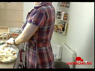 Big tits spoils supper by adding to much yogurt chattercams net