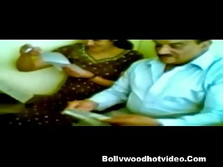 Indian Desi bhabhi fucked by her boss in office