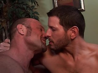 Str8 dude kissing session divorced guy