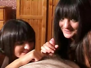 Sensual bj from black haired beauties