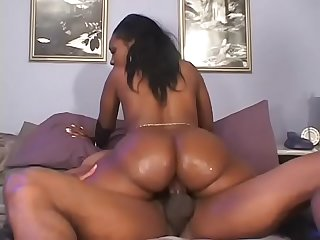 Ebony whore has threesome with two black studs then jizzed