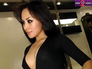 Asian cutie slowly and gently fucks her ass www eastcamqueens net
